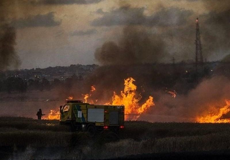 اندلاع حرائق داخل السیاج الفاصل شرق قطاع غزة بفعل بالونات حارقة
