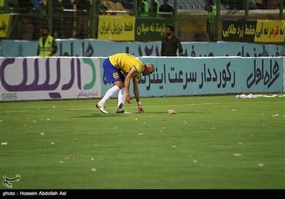 دیدار تیم های فوتبال صنعت نفت آبادان و پیکان