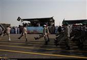 رژه نیروی مسلح استان بوشهر در هفته دفاع مقدس به روایت تصویر
