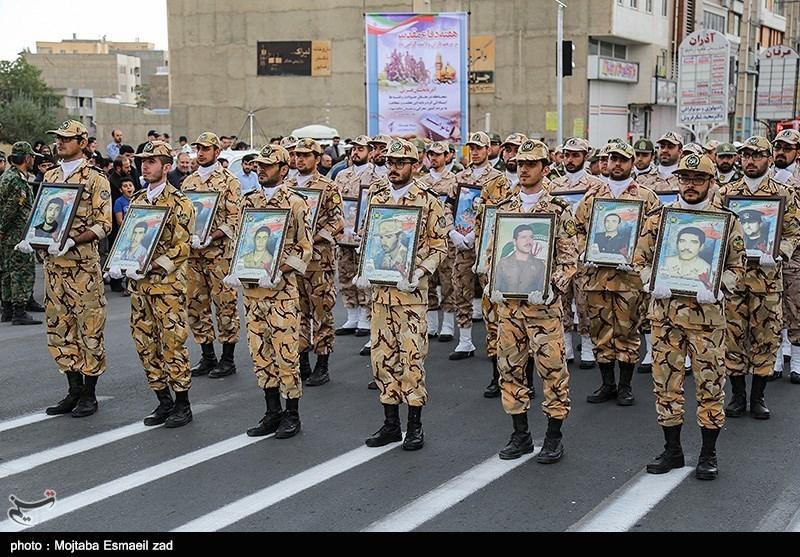 مراسم رژه نیروهای مسلح در ارومیه تصویر