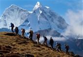 اهواز| تیم کوهنوردی نفت امیدیه به قله کوه سفید یاسوج صعود میکند