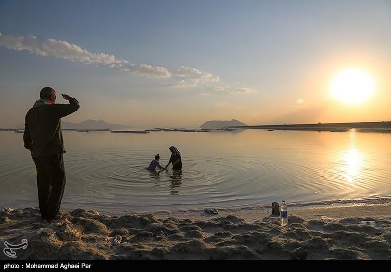 خشکی دریاچه ارومیه 15 میلیون سکنه پیرامونی را مجبور به مهاجرت میکند