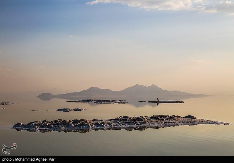 غفلت دهها ساله از اشتغال نمکی دریاچه ارومیه/ساخت مراکز لجن درمانی شتاب گیرد