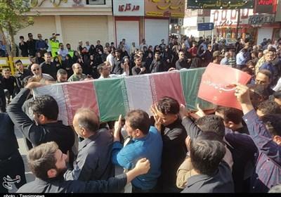 """حضور """"نمایندگان رهبر معظم انقلاب"""" در مراسم تشییع شهدای حادثه تروریستی اهواز/ خوزستانیها سنگتمام گذاشتند؛ حضور پرشور عشایر عرب+ فیلم"""