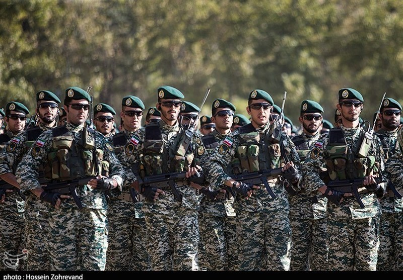Iranian Troops Practice Battling with Takfiris in War Game