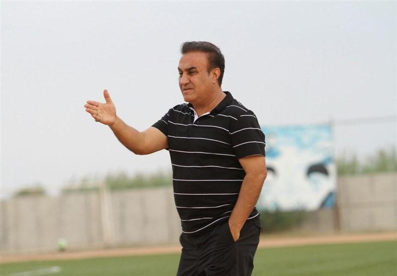 کاظمی: زلزله باعث شد بازیکنان تیمم تا صبح بیدار باشند/ حتماً تیم ما از پرسپولیس گناوه کمتر است!