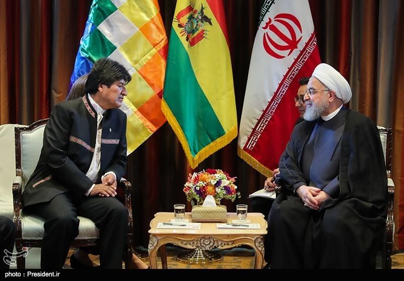 Iranian, Bolivian Presidents Urge Closer Political, Economic Ties