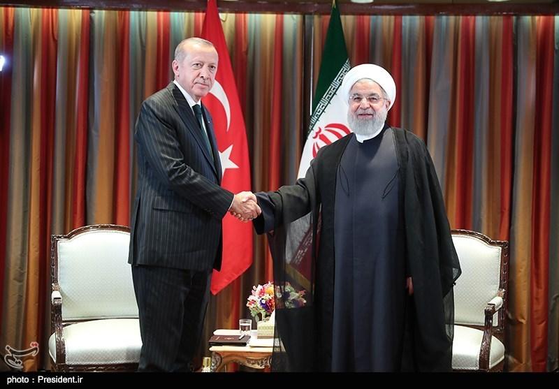 روحانی وأردوغان یبحثان القضایا الاقلیمیة والدولیة