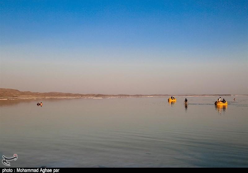 کاهش یک سانتی تراز آبی دریاچه ارومیه نسبت به سال گذشته