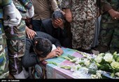 خوزستان| پیکر پاک شهیدان کریمی و زرافشان در مسجدسلیمان تشییع شد/ وداع بینظیر خوزستانیها با سربازان وطن