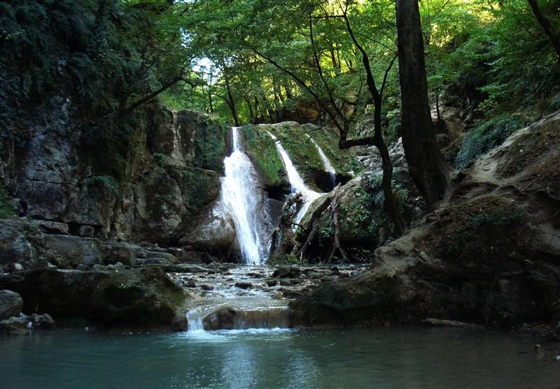 Laton Waterfall; Highest of Its Kind in Iran
