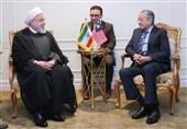 روحانی در دیدار ماهاتیر محمد: کشورهای دوست در برابر یکجانبهگرایی آمریکا بایستند