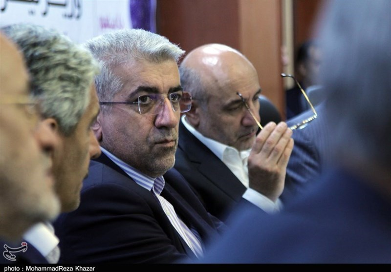 تاکید وزیر نیرو بر تعیین تکلیف چاههای غیرمجاز در جنوب کرمان