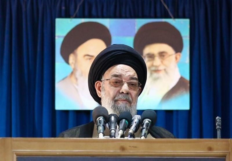 امام جمعه اصفهان: باید با قدرت در مقابل ناهنجاریها ایستاد / حزبالله، بسیج و نیروهای مسلح ورود کنند