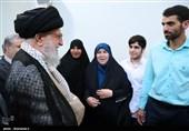 حفظ حجاب، ایستادگی بر آرمانها و گفتمانهای انقلاب، توصیههای حضرت آقا به مجریان زن تلویزیون