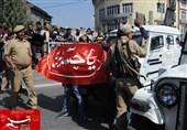 مقبوضہ کشمیر: بھارتی فوج اور مزاحمت کاروں کے درمیان جھڑپیں جاری، مزید شہادتوں کا خدشہ