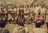 وقتی تفنگها ساز شدند / ماجرای ارکستر، جبهه، حاج قاسم و دیگران +عکس