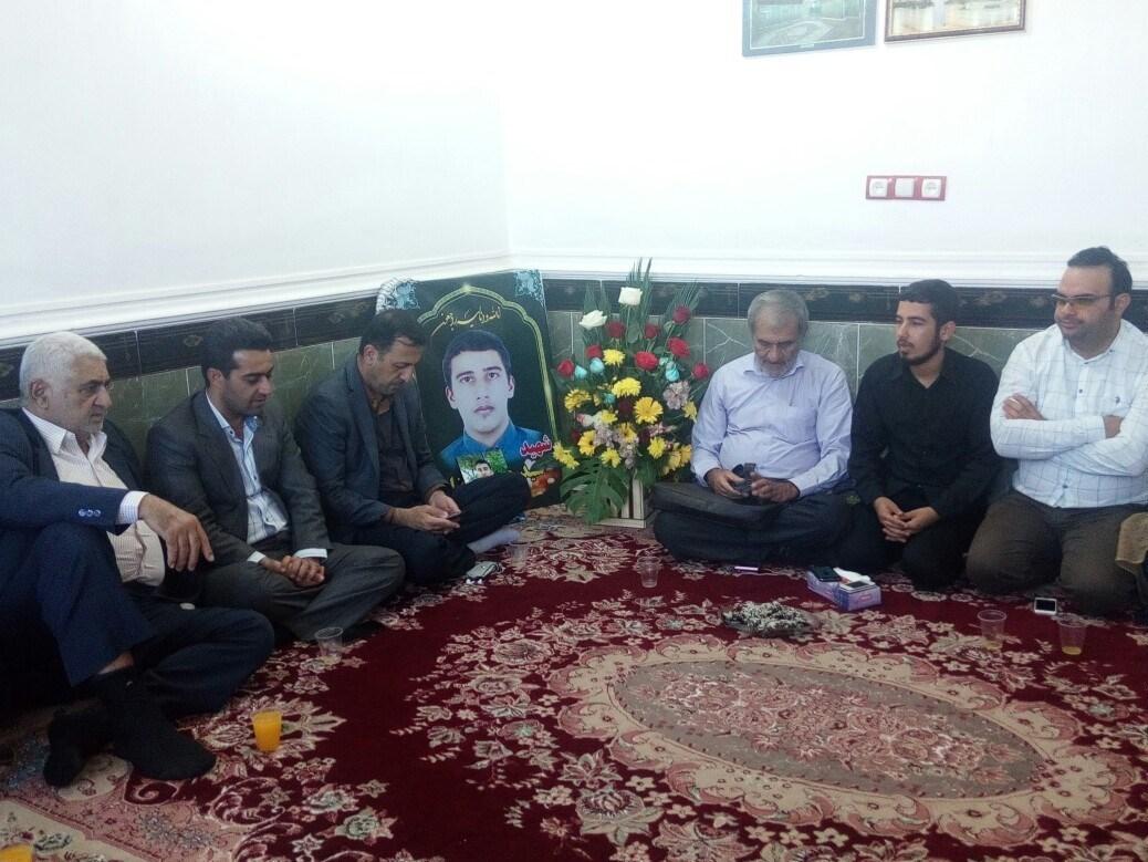 اهواز|برادر شهید فاضلی سواری: به عنوان خانواده یک شهید عرب به ایرانی بودنمان افتخار میکنیم