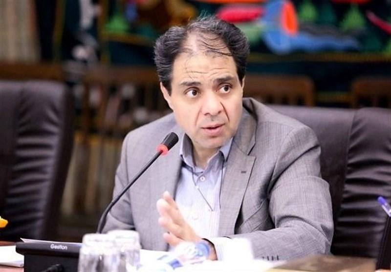 انتقاد مدیرعامل سازمان بیمه سلامت ایران از هجمههای نادرست به بخش پزشکی