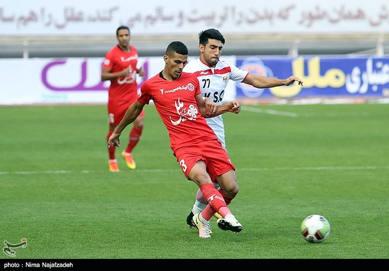 Iran Professional League: Padideh Cement Lead at Top