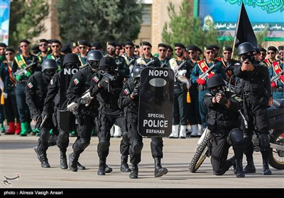 صبحگاه مشترک نیروی انتظامی - یزد و اصفهان