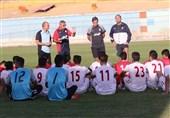 تماشای دیدار ایران و عراق در اردوی تیم امید + عکس