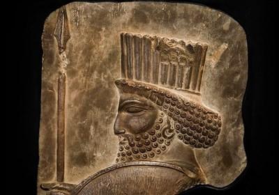 کشف ۲۷۸ قلم عتقیه از جنس طلا مربوط به دوره هخامنشی + عکس