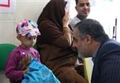 مدیر رادیو قرآن به عیادت کودکان سرطانی رفت