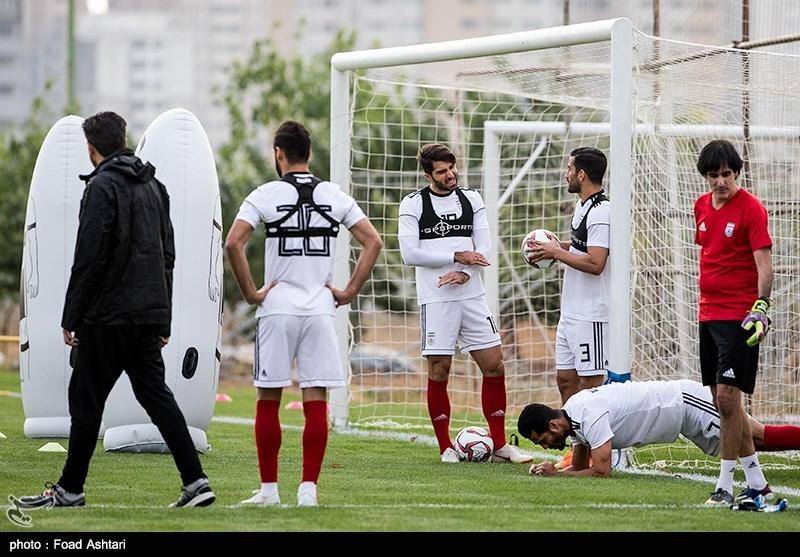 گزارش تمرین تیم ملی فوتبال  صحبت کوتاه کیروش با بازیکنان در غیاب دژاگه و پورعلیگنجی