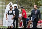 حضور فرد ناشناس در تمرین تیم ملی فوتبال با لباس کادرفنی و سکوت مسئولان + عکس