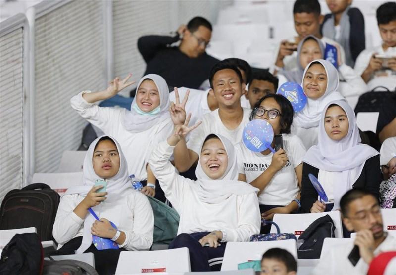 گزارش خبرنگار اعزامی تسنیم از اندونزی| پاره کردن حنجره بدون اکراه و فرار از مدرسه/ تماشاگرانی که بازیگر و خاطره شدند! + تصاویر