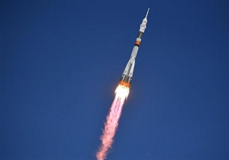 حادثه در هنگام پرتاب موشک «سایوز» حامل دو فضانور روسی و آمریکایی +فیلم