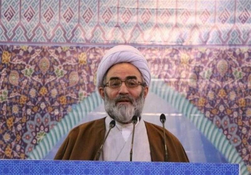 امام جمعه رشت: «عدم سازش» با ظالمان مهمترین پیام نهضت عاشورا است