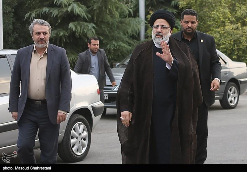 حجتالاسلام رئیسی مجتمع خدماتی رفاهی بینراهی امام رضا(ع) راور را افتتاح کرد