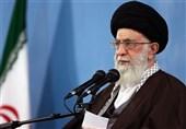قائد الثورة یدعو المفکرین لدراسة واصلاح الوثیقة الاساس للانموذج الاسلامی –الایرانی للتقدم