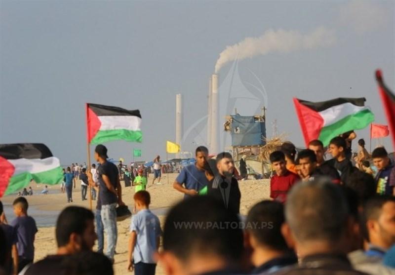 115 إصابة خلال قمع الکیان الصهیونی للمتظاهرین شرق غزة