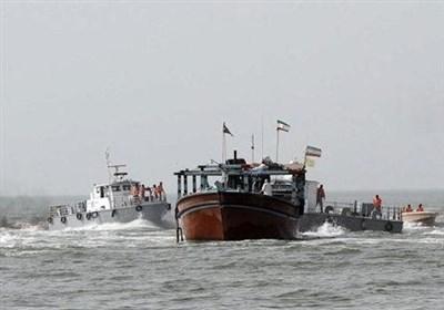 توقیف شناور خارجی حامل ۳۰۰ هزار لیتر سوخت در خلیج فارس با پرچم پاناما / ۱۰ خدمه شناور دستگیر شدند