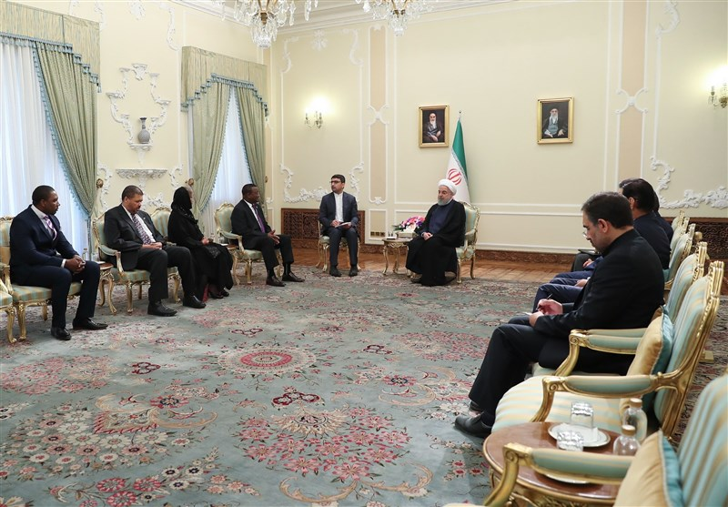 Iranian President, South African, Senegalese Diplomats Discuss Closer Ties