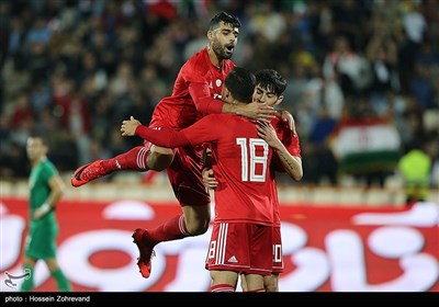 Iran, Bolivia Play Friendly in Tehran