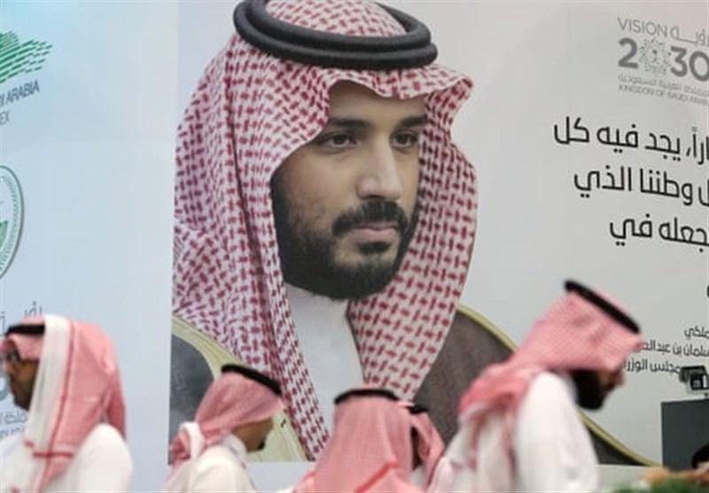 """Bin Selman, Sanal Ortamda Muhalifleri Susturmak İçin """"Trol Ordusu"""" Kurdu"""