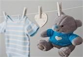 بهترین روش برای تعویض بی دردسر لباس نوزادان