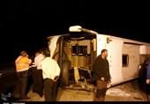 واژگونی اتوبوس در محور شیراز- اصفهان 16 مصدوم برجای گذاشت