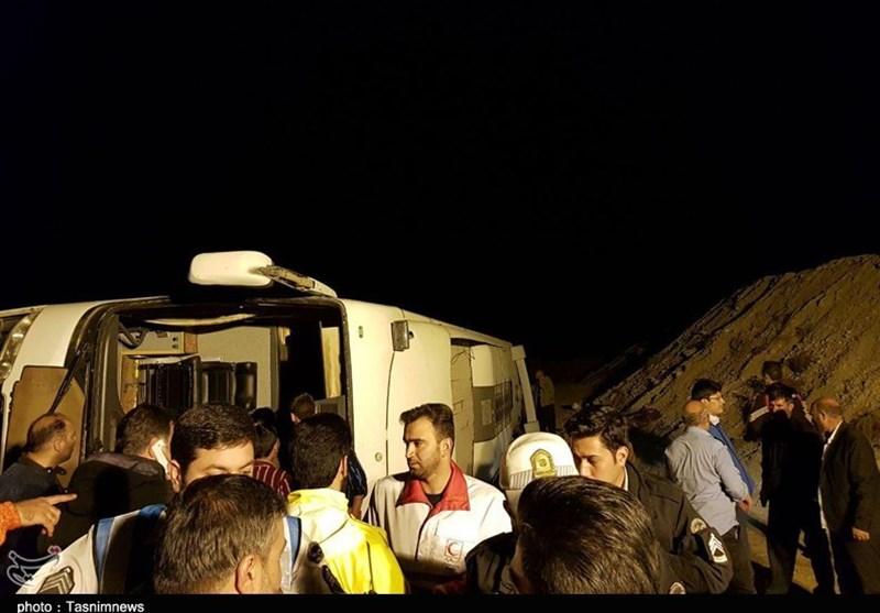 سانحه واژگونی اتوبوس مشهد-کرمانشاه در سمنان به روایت تصویر