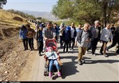 """همایش پیادهروی """"بیعت با امام زمان(عج)"""" در یاسوج برگزار شد"""