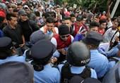 آمریکا مهاجران خارجی را به مکزیک باز میگرداند