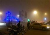 طوفان شدید و گرد و غبار در مرز مهران/برخی موکبها از جا کنده شدند