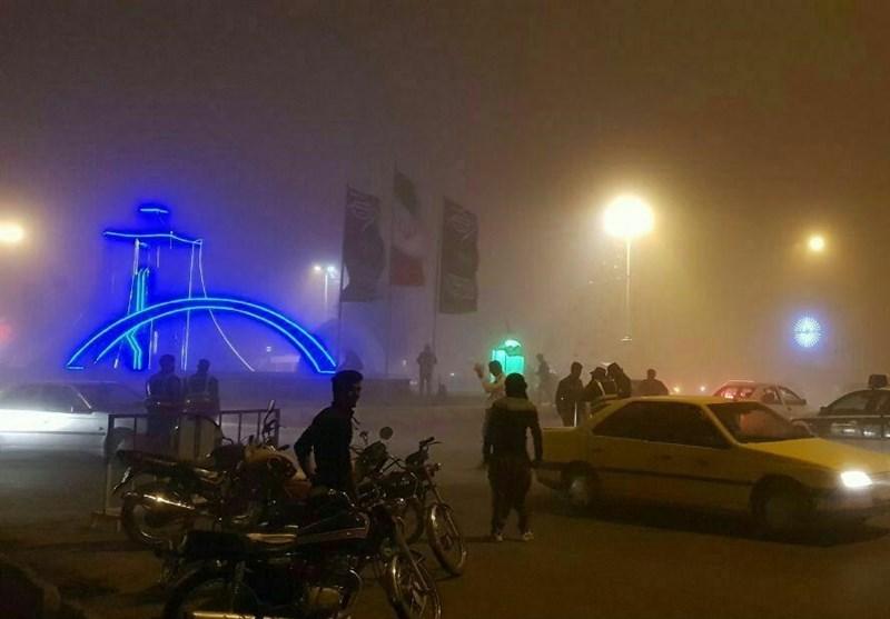 طوفان شدید و گردوغبار در مرز مهران یک کشته و 15 زخمی برجا گذاشت/ رئیس ستاد اربعین: زائران فعلا به سمت مهران نروند+فیلم