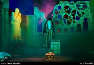 نمایش «الشمس تشرق من حلب» یا نمایش (خورشید از حلب طلوع میکند) در شهر حلب سوریه