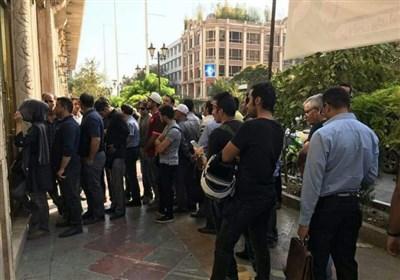 ساعتها معطلی زائران اربعین در صف فقط برای 150 هزار تومان مابهالتفاوت ارز دولتی!