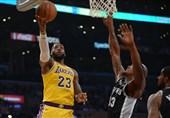 لیگ NBA| پیروزی لیکرز با درخشش جیمز/ برد وریرز در غیاب کری